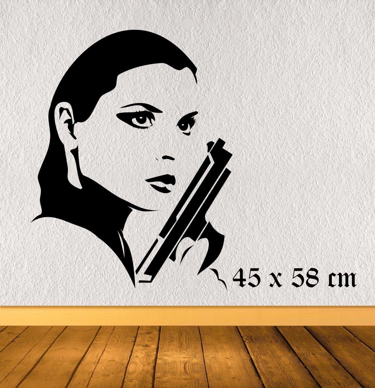 Girl with Gun rechts